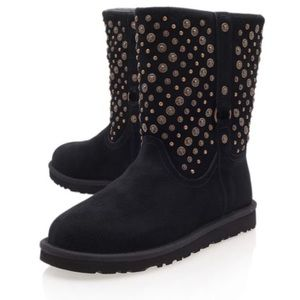 Ugg Eliott Metal Stud Suede Boot $249 Never wore!